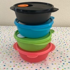 Tupperware microwave bowls